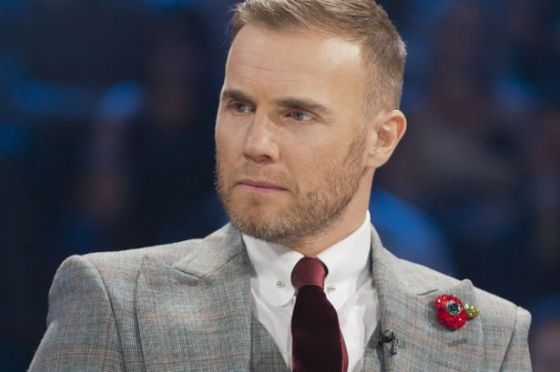 gary-barlow-wearing-a-bling-poppy-pic-rex-features-311059087